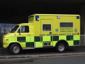 Holby Ambulance by http://www.flickr.com/photos/pshab/