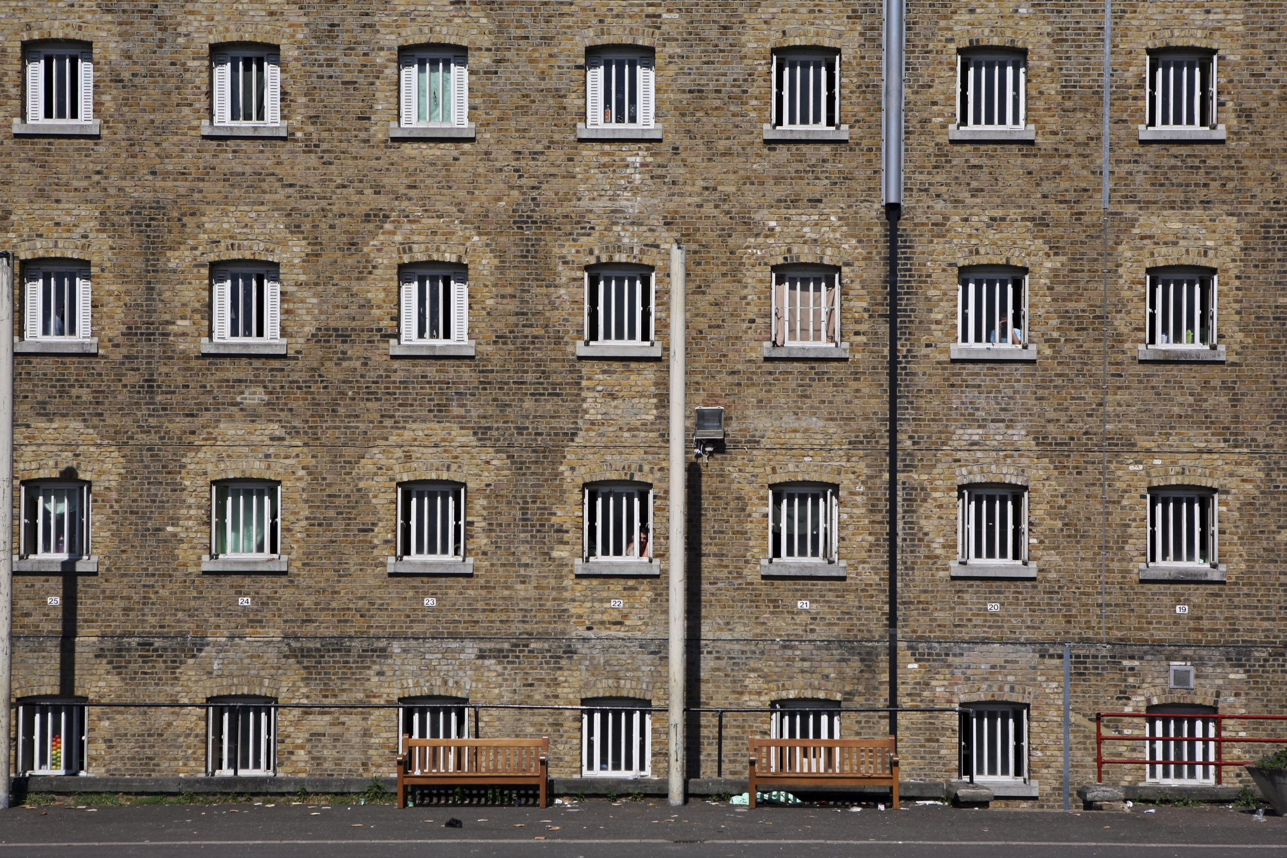 A view of D wing from the exercise yard at Wandsworth Prison.  It has a capacity of 1456 prisoners. Pic by  Andrew Aitchison www.prisonimage.org