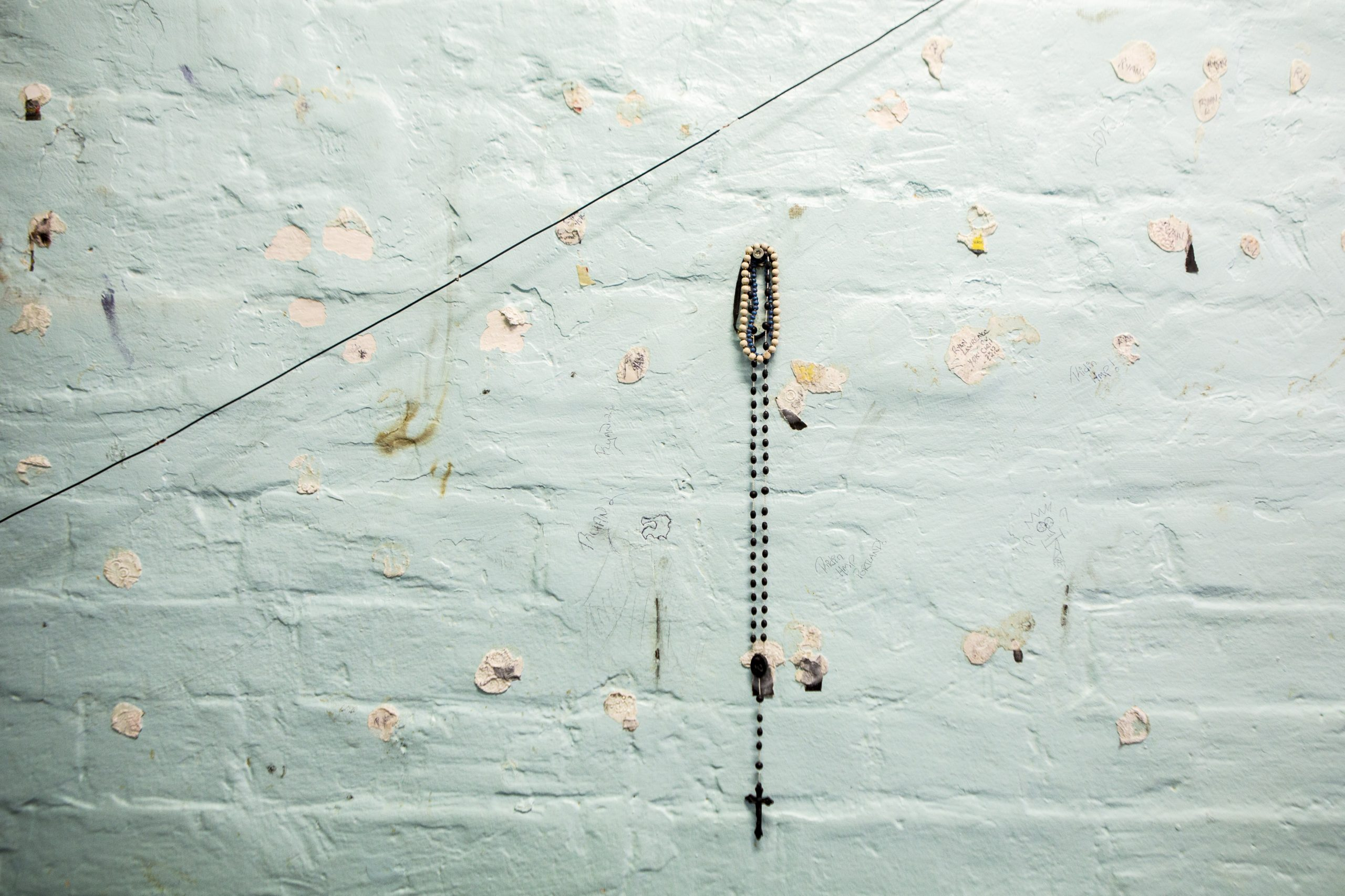 A crucifix hangs on the wall of a cell on Benbow wing inside HMP/YOI Portland, a resettlement prison with a capacity for 530 prisoners. © prisonimage.org. Any image use must be agreed first. All images must be credited.
