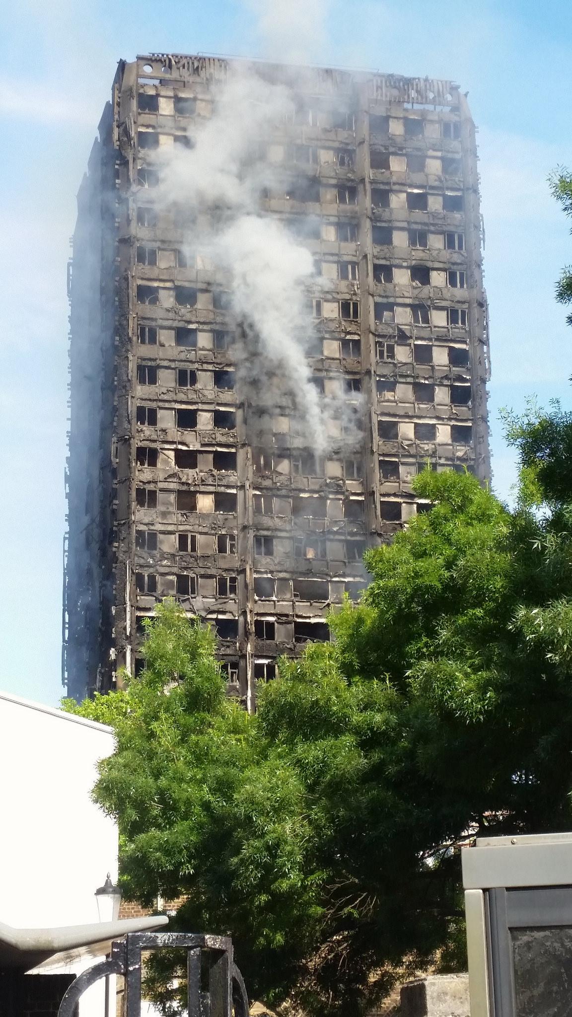 Grenfell Tower fire: Photo by sarflondondunc (Flickr, creative comms)