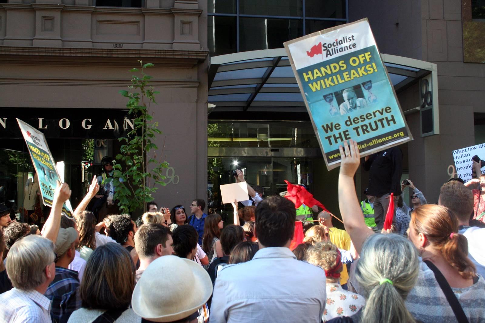 Photo: Demo outside British consulate in Melbourne (John Englart, Flick)